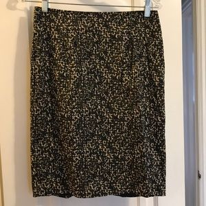 Ann Taylor business skirt, great condition size 2